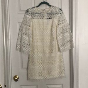 Size 6 Laundry white bell sleeve lace mini dress